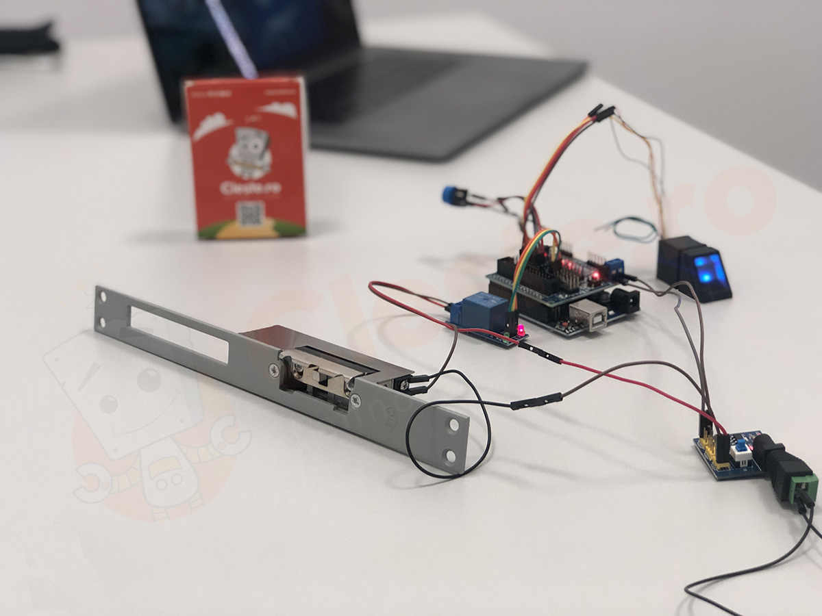 sistem control acces arduino
